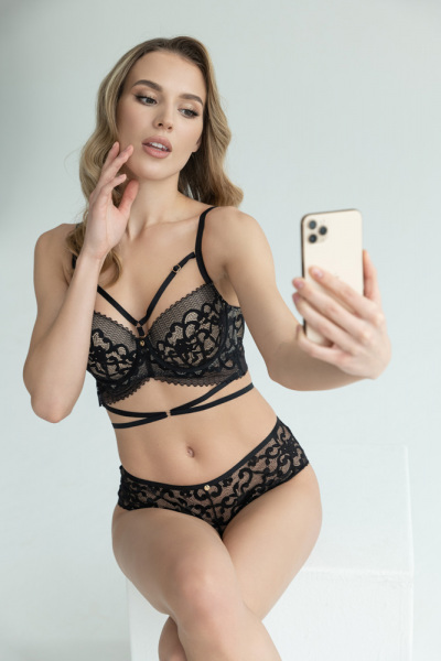 RosePetal-Lingerie-Collection-AW2021-11